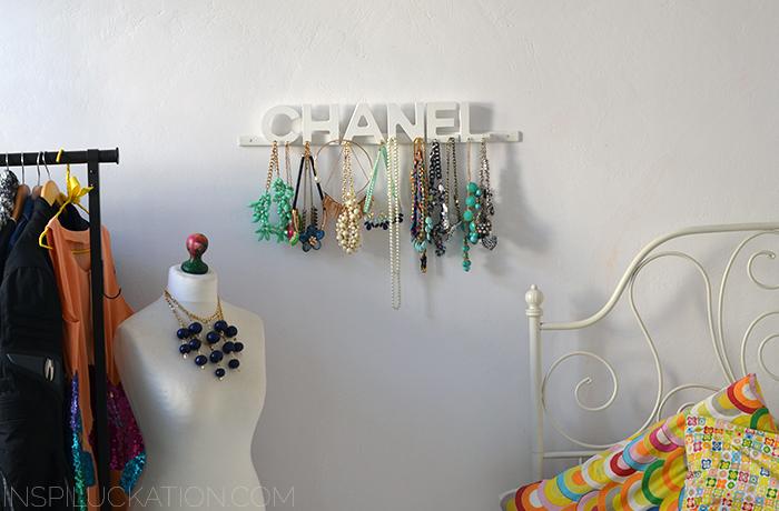 wieszak-naszyjniki-chanel-13
