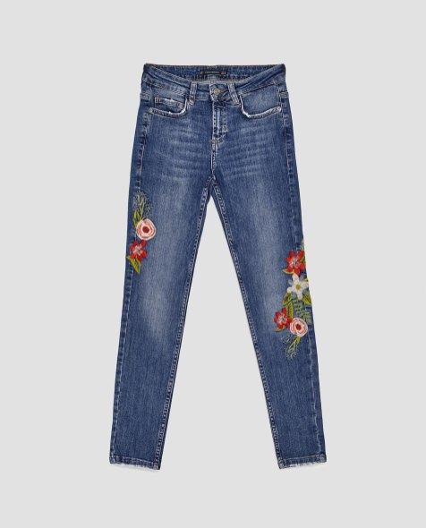 spodnie-jeansowe-rurki-z-efektem-znoszenia-i-haftem-zara