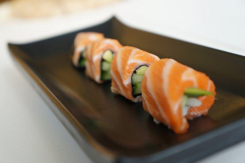 upstream-sushi-roll-bottom