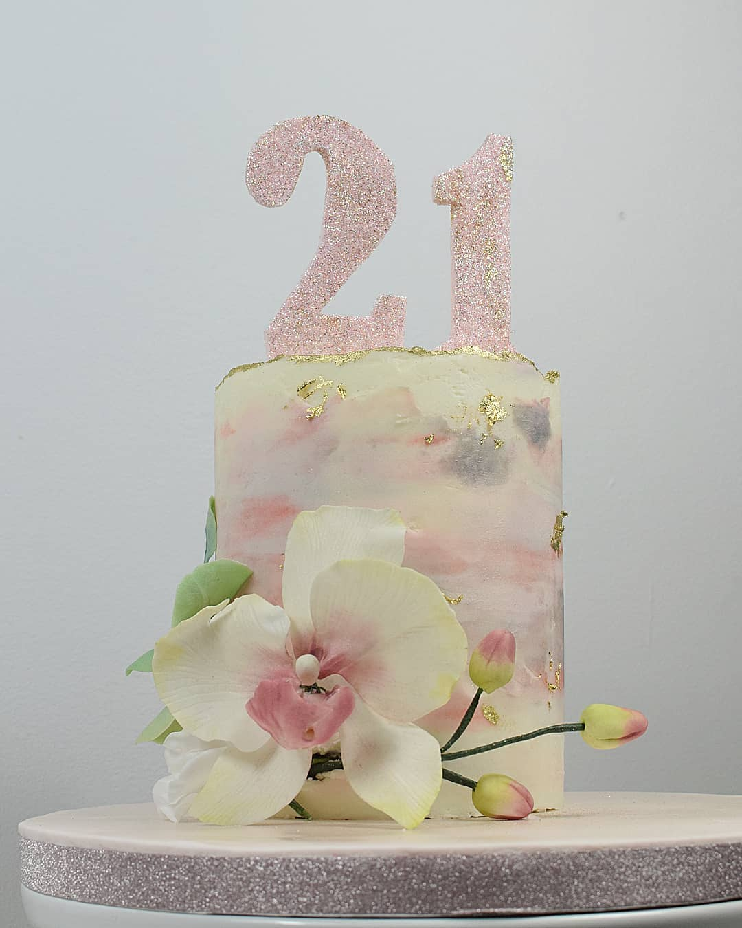 Terrific 21St Birthday Cake Ideas For Her The Cake Boutique Personalised Birthday Cards Veneteletsinfo