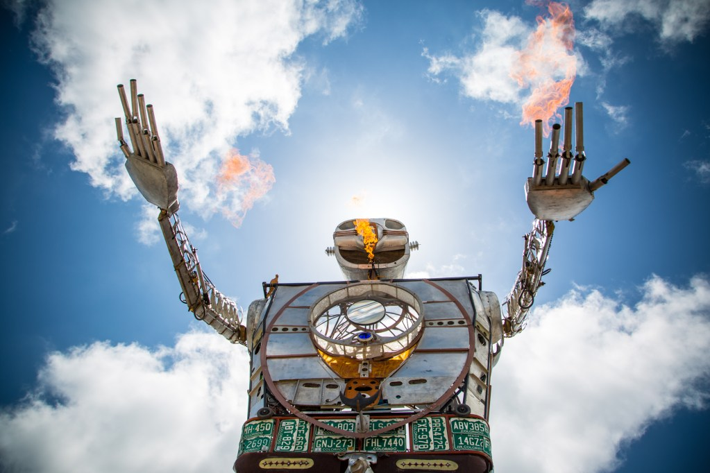 Robot Resurrection welcomes the crowds on Day One. By shooting flames, of course.
