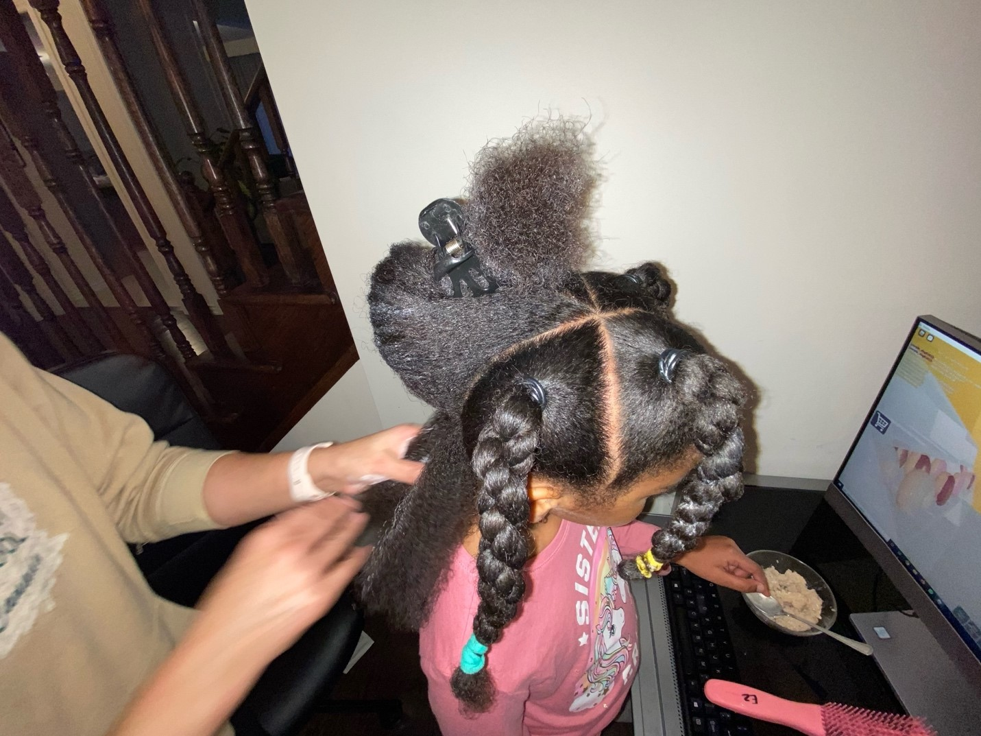 09: My mom completing Isabella's final two sections of braids. Deep Space using Depth Cue (Block, 14-15)