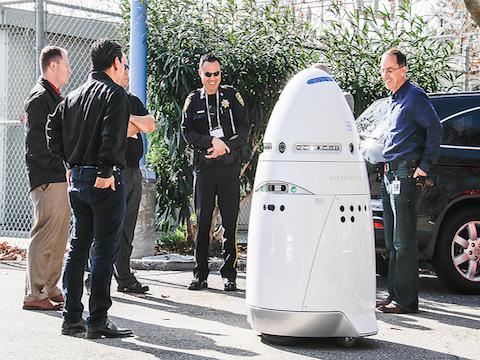 K5 IL ROBOT DI SICUREZZA CHE INIZIERA' A PATTUGLIARE UN CAMPUS NELLA SILICON VALLEY