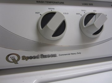 speed-queen-washing-machine-by-akwelle-vallis