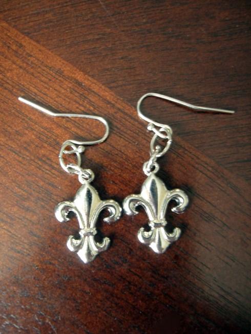Fleur de Lis Earrings via The Artsy Parts $10.00