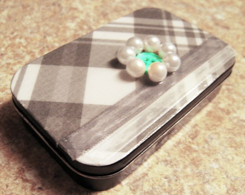 DIY business card holder from an Altoid tin