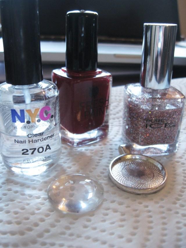 materials needed to make diy glitter pendant