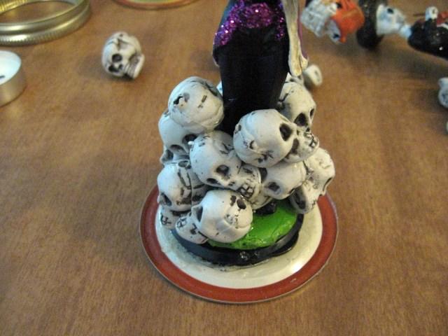 skulls halloween decor