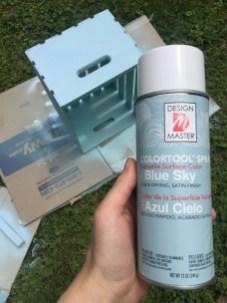 spray paint wood crates