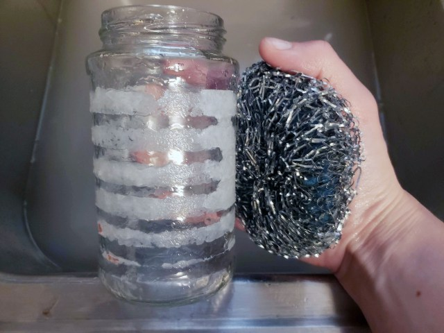 remove glass jar labels with stainless steel Scouring Pad
