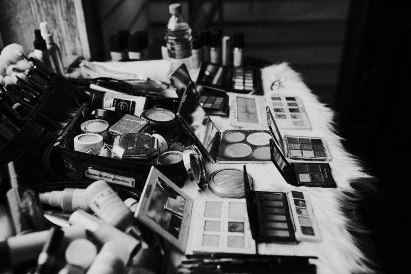 makeup vanity black and white