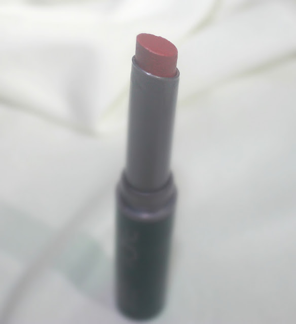 Oriflame The ONE Colour Unlimited Lipstick Shade 'Always Cranberry' Review & Swatch