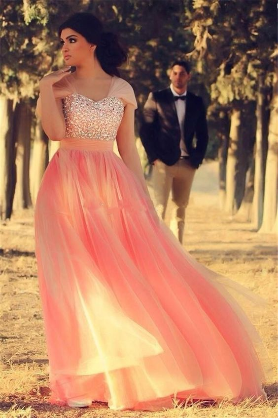 6 Hottest Prom Dresses And Evening Dresses Trends