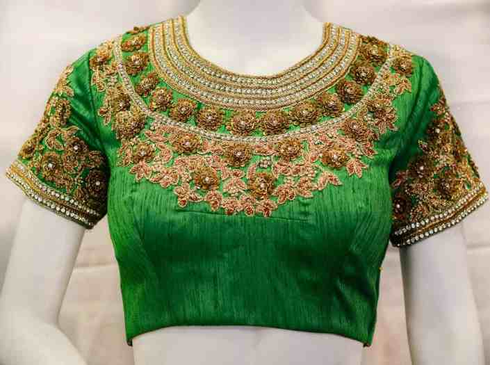 D:\paresh\articles date wise\7-01-2019\stylecaret\hand-embroidery-on-bridal-blouse-front-1289x960-L10-P.jpg