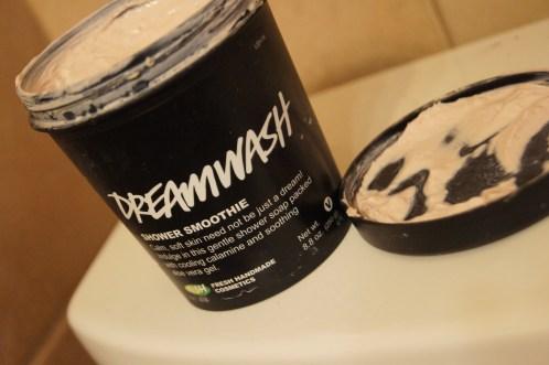 LUSH Dreamwash Shower Smoothie