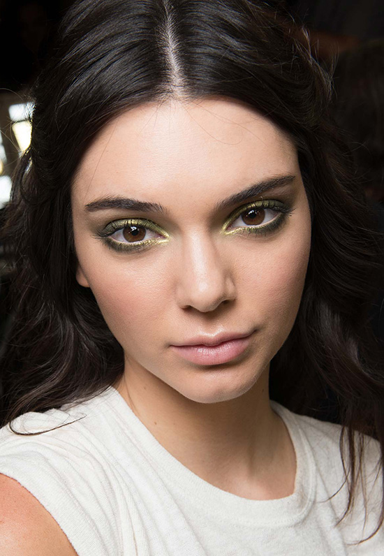 Kendall Jenner makeup at Atelier Versace Fall 2015 Couture