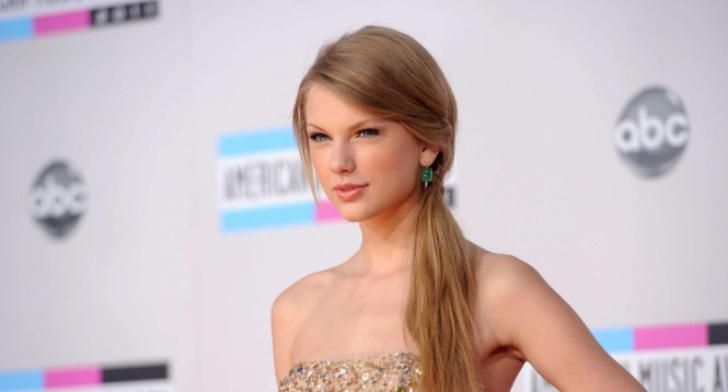 taylor-swift-american-music-awards