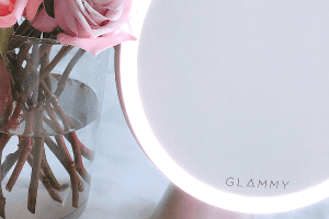 glammy magnifying makeup mirror with bluetooth