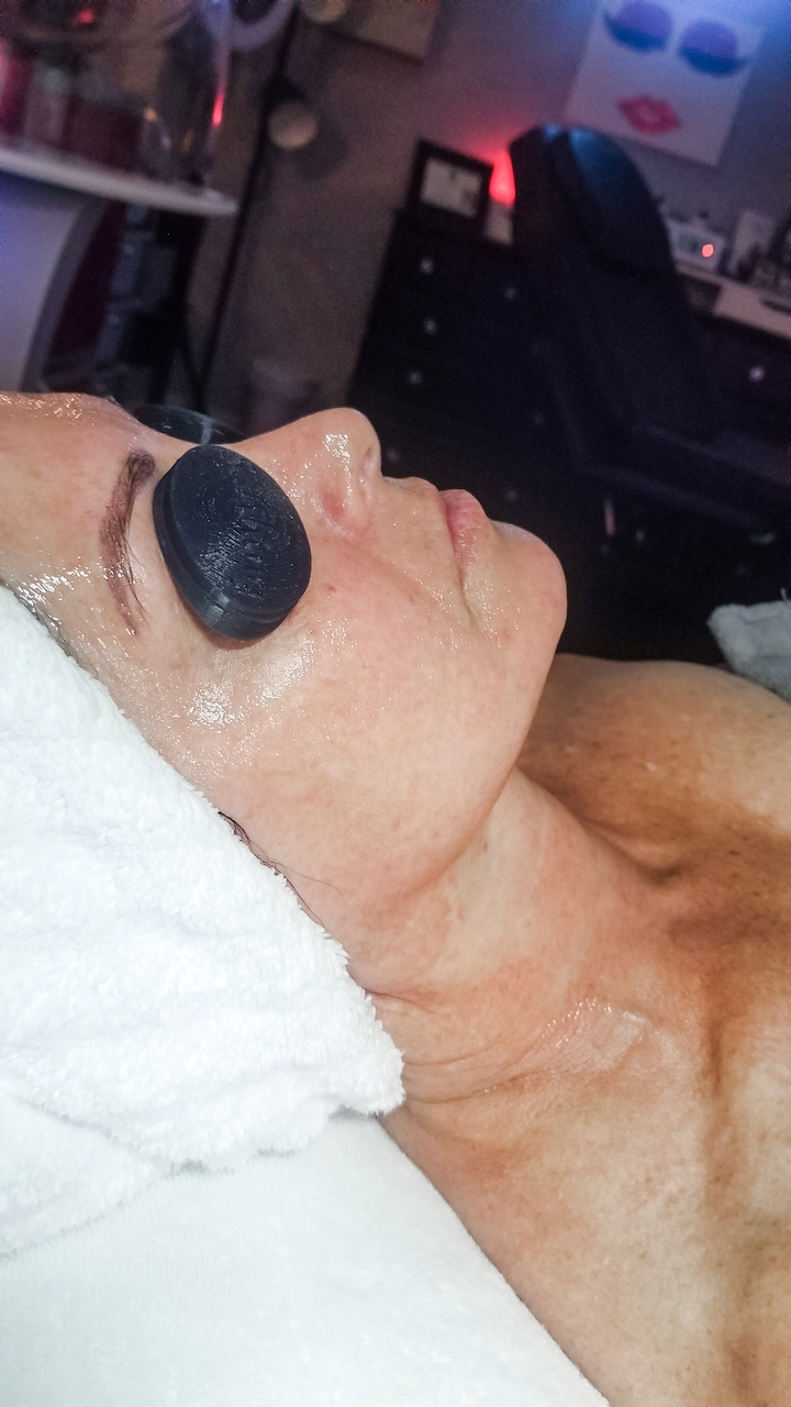 toning and hyaluronic mask