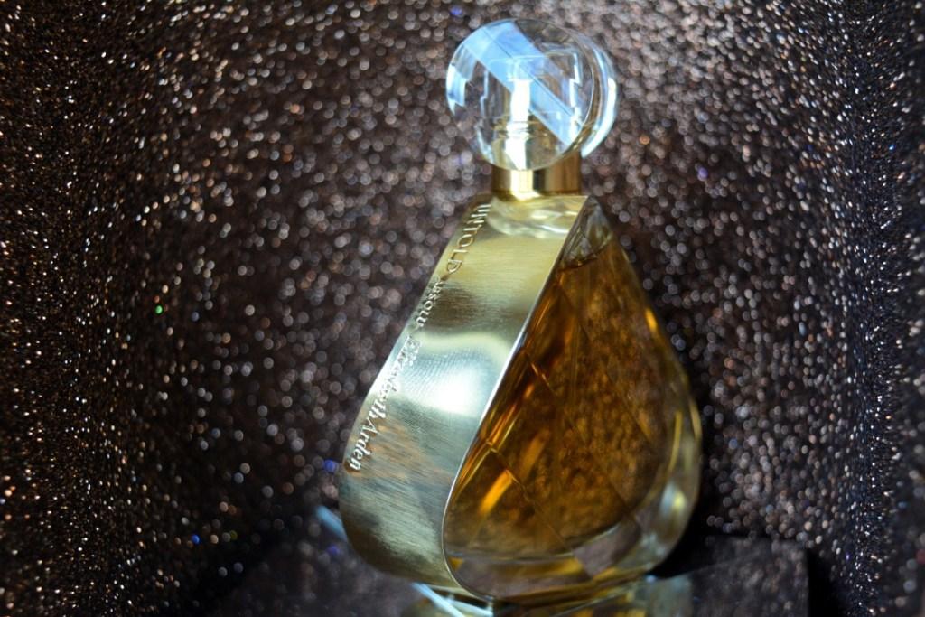 parfum-untold-absolu-elizabeth-arden-1