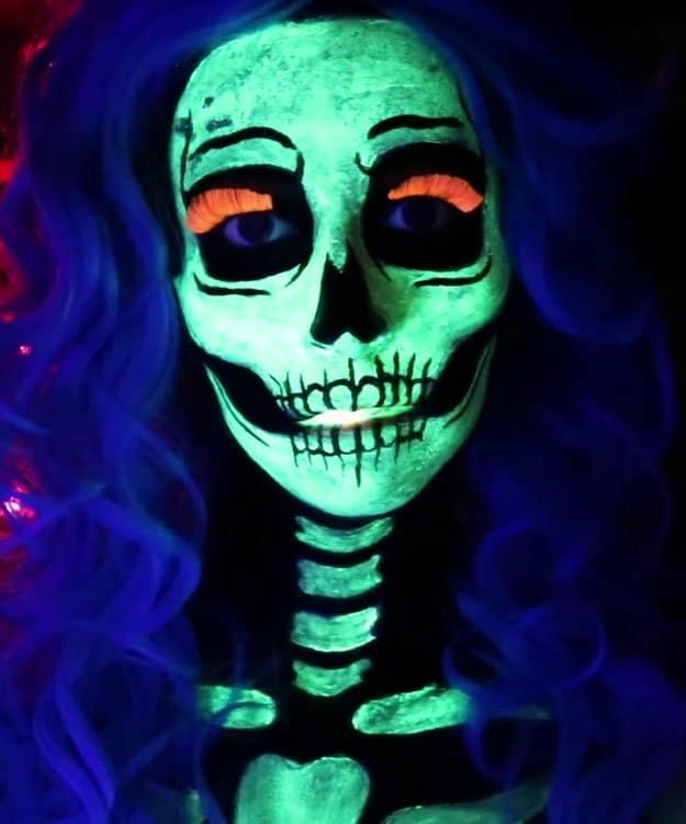 Glow In The Dark Skeleton |Spooky Skeleton Makeup Ideas You Should Wear This Halloween