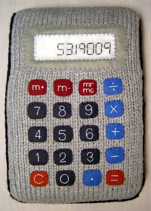 HOW TO – Make a knitted calculator