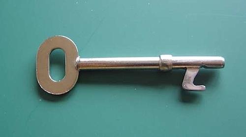 HOW TO – bottle opener key