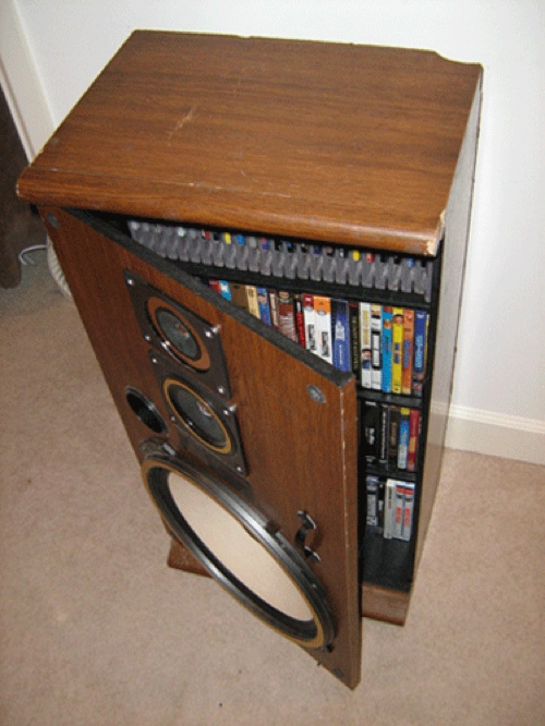 HOW TO – Turn broken speakers into a snappy media cabinet