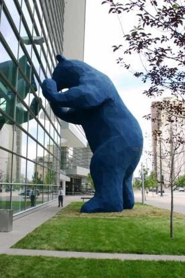 Lawrence Argent's big blue bear