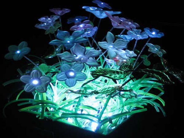 Fiber optic and LED minature garden light