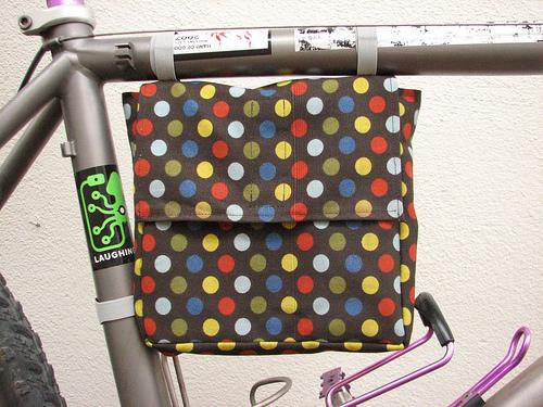Bike-borne lunch bag