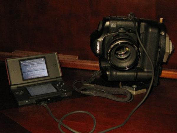 Nintendo DS Controlling A DSLR Camera