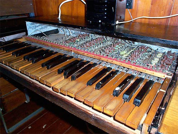 Wooden synth has 43 oscillators