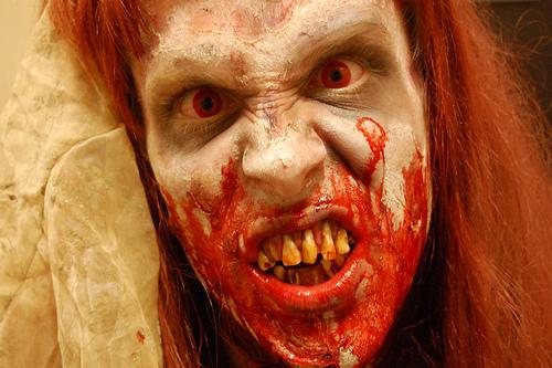 DIY Halloween : Zombie Makeup from the Haunted Report