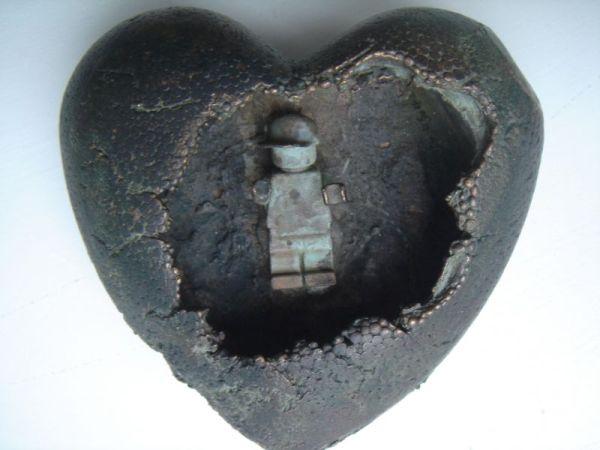 Casper's bronze heart