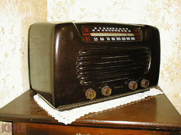 How to: Fix a classic American AM tabletop tube radio