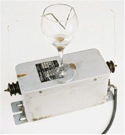 Apparatus for High Voltage Treatment of Alcoholic Beverage