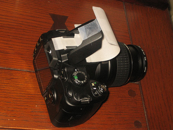 DIY: Cheap on-camera flash diffuser
