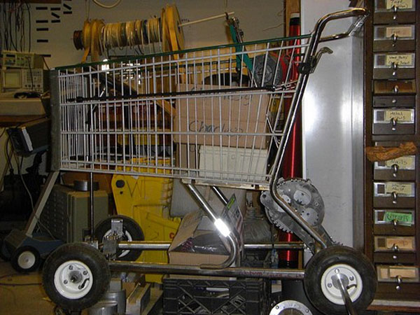 LOLrioKart: Motorized shopping cart racing
