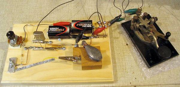Zinc-based audio oscillator