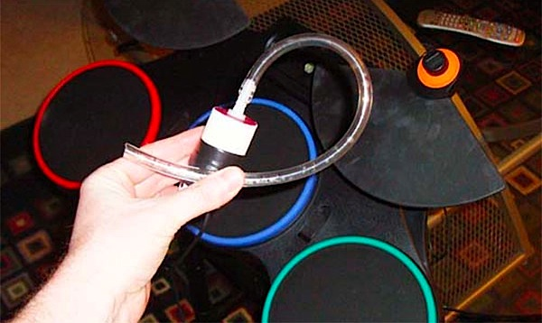 How-To: Breath controlled kick drum for Guitar Hero