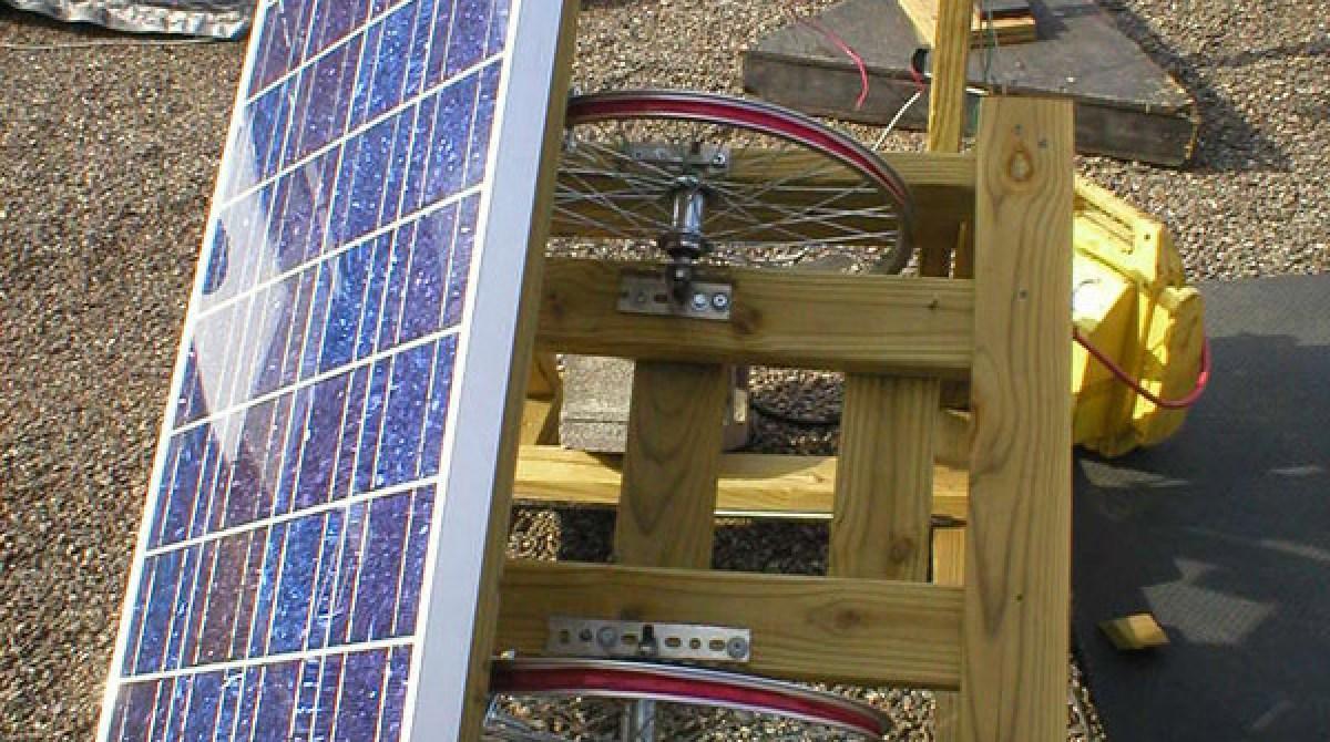 DIY sun tracker for solar panels | Make: