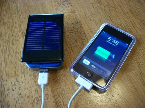 How-To: Make a solar iPod/iPhone charger