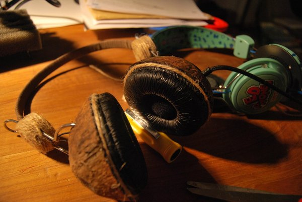 Coconut headphone mod