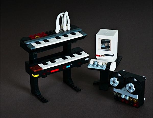 Itty bitty Lego synths