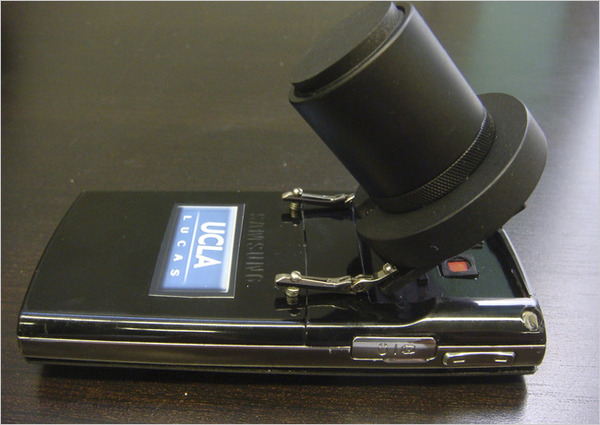 Compact cellphone microscope