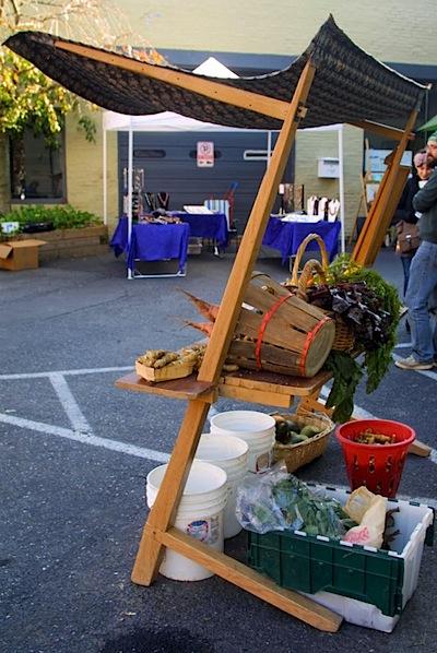 Portable farmer's market stand
