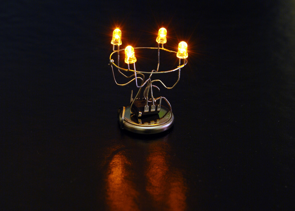 Beautifully minimal LED Advent wreath circuit and device