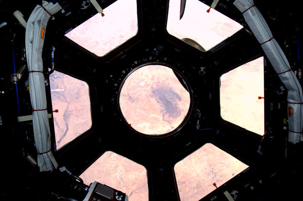 """Hello, gorgeous! """"Spectacular"""" views from ISS Cupola"""