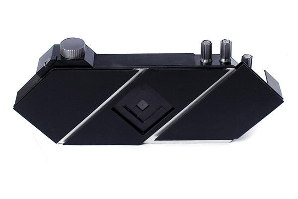 Three-roll pinhole camera